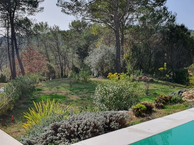 Superb house (7 rooms - 245 sqm) in LORGUES