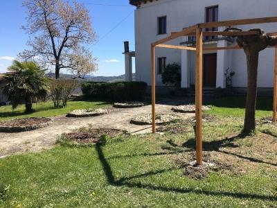 Photo 2 - Gardens