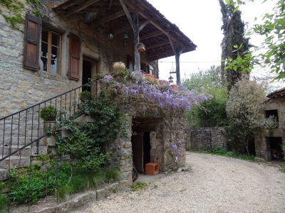 Nice estate (7 rooms - 180sqm) in MILHARS